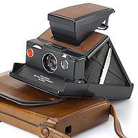 Polaroid SX-70 Alpha (1977).